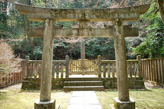 前田家墓所:第13代藩主 前田斉...