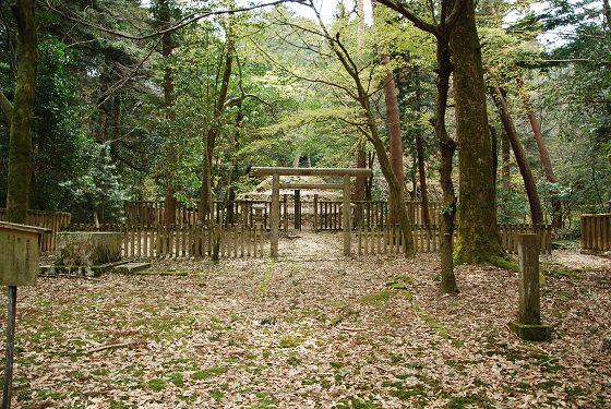 前田家墓所:第6代藩主 前田吉徳...