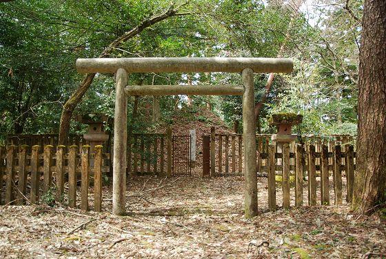 前田家墓所:第12代藩主 前田斉...