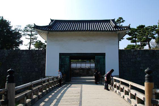 二条城:本丸櫓門 - いこまいけ...