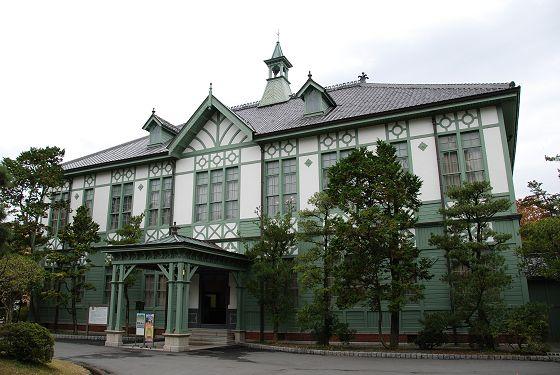 奈良女子大学 旧本館および守衛室