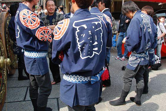 http://takaoka.zening.info/Toyama/Yatsuo_Hikiyama_Matsuri/photo/Dsc_7670_m.jpg